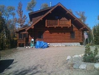 4 Season Hand-scribed LogHome Little Bass Lake/Private retreat