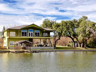 Gorgeous Lake Views, Huge Covered Patios, Waterfront on Quiet Cove, Boat Lift