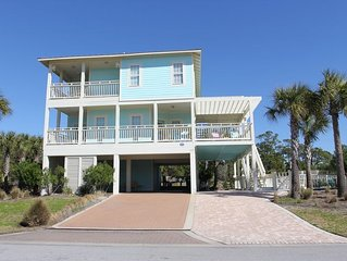 A $250 credit toward ANY AMOUNT of Beach Gear is available for this home.
