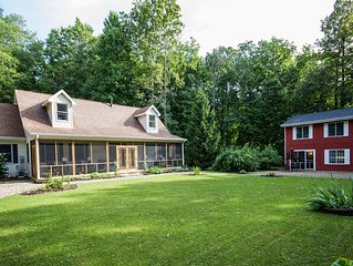 Secluded Luxury. Near New Buffalo, casino, dining, galleries, wineries, beaches