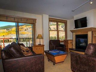 Spacious 2-bedroom Condo in River Run, Mountain Views, Short Walk to Gondola
