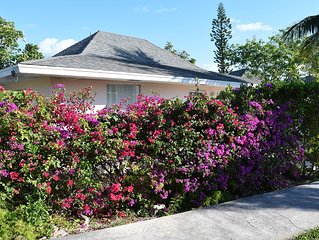 Great value! 2 Bed, 2 Bath renovated Villa, free wifi on best beach in Bahamas!