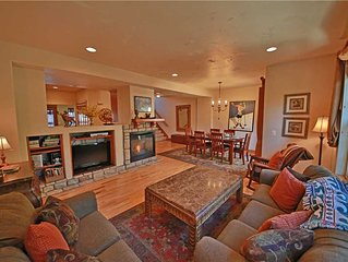Red Quill Village 206: 3 BR / 3.5 BA wp house in Winter Park, Sleeps 8
