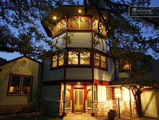 4500 Sq. Ft.above Zilker Park, note reduced holiday & New Year's rate