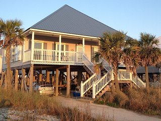 Pet-Friendly Home Located 200 Yards North Of Gulf Of Mexico.