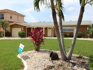 Beautiful Villa on Yatch Club in Cape Coral FL - Walking distance to the Beach