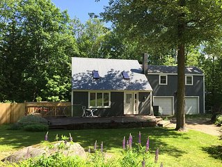 Beautiful Retreat Only 30m to Loon, Cannon, & Waterville Valley!