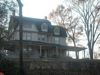 Montford Historic District- Walk to Uptown Asheville- Close to Biltmore House,