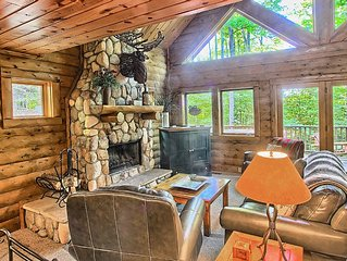 3BR Mountain Cabin - Skier and Golfer Paradise, Private, Sleeps 8