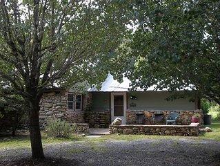 Lake James Cabin in North Carolina -Cozy and Comfortable!