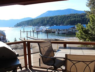 Waterfront Condo 10 minutes from Silverwood