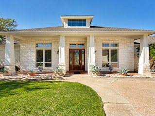 Beautiful Ranch Home in the Hill Country near Lake Travis