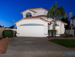 2 Bed, 1 Bath cozy home in the Gilbert Islands. Great convenient location!