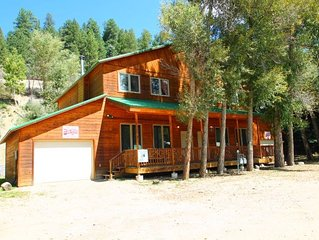 Cottonwoods Duplex - WiFi, Satellite TV, King Beds, Washer/Dryer, Garages, Pets