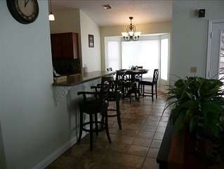 Affordable Home on Golf Course Near Nfl, Nhl, Spring Training!