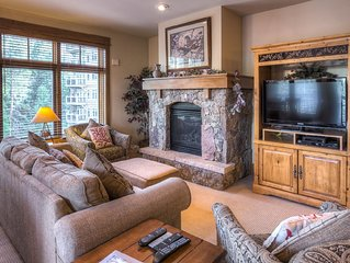 Ski-In/Ski-Out, 2-Bedroom Condo, Upgraded Kitchen, Great Views
