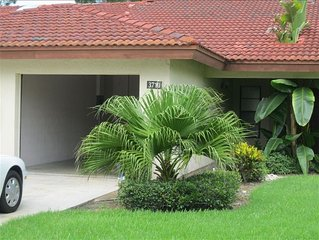 Sarasota Vacation Villa-- Heated Pool, Tennis Court and More..