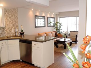 High-end Renovations!! Gorgeous, Oceanview, Oceanfront Luxury Suite!
