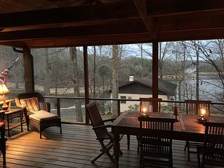 Ultimate Getaway on Lake Cumberland, Great Location and Rare Private Dock & Ramp