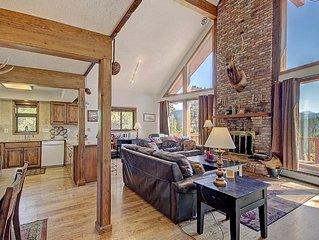 Affordable Rates, Beautiful Home, Mountain Views and 1.1 Miles to Skiing