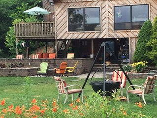 BOOK FALL DATES NOW!!!  Private 70ft Lakefront Cabin,3br,3ba,Pet Friendly-