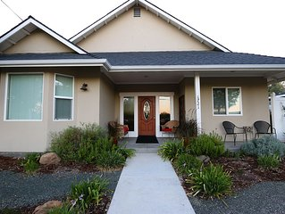 Charm on Chestnut--Great Westside Location Close to Downtown!