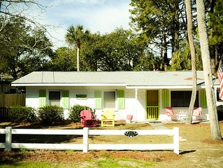 Mimosa Cottage!  Pet-Friendly! Fenced Backyard!  Great Screened Porch!