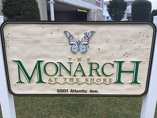 The Monarch Condominums! 4BR 3BA, 2 Pools, 2 Hot Tubs, Ocean View, Beach Block