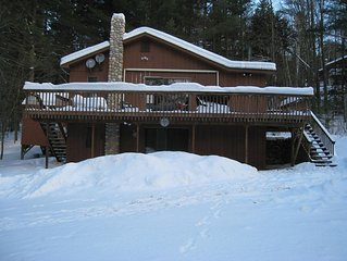 Skiers/Snowmobilers/MountainBikers Dream with Outdoor Jacuzzi + Wi-Fi