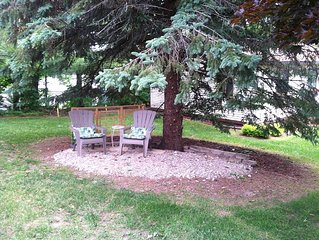 Cute fully furnished cottage w/ shared frontage on Silver Lake , Traverse City!!