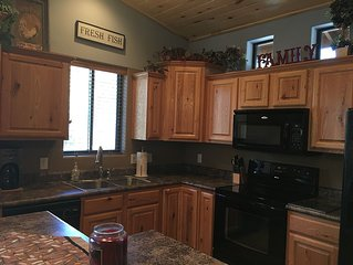 *SPRING SPECIAL ON RATES!*(Cozy Cabin in the White Mts. of ShowLow Az.)