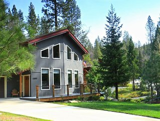 NEWER HOME IN BASS LAKE ESTATES WITH A/C, SATELLITE TV AND WIFI