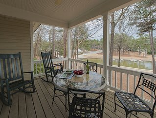 Lovely REYNOLDS PLANTATION Cottage with Lake Views