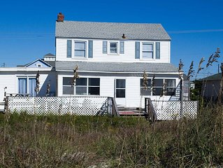 5BR Oceanfront Cottage with great views and a large sun porch!