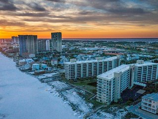 Beautiful 2 BR, 2BA Condo with Gulf Views