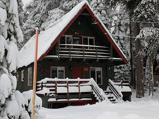 Just Across From Serene Lakes. 5A-Chalet. Enjoy The Peace And Comfort!