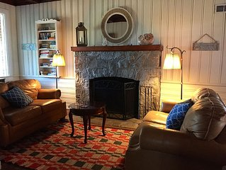 BEACHFRONT COTTAGE - BOOKING SPRING on the BEACH  5-6BR, WiFi, Outdoor Fireplace