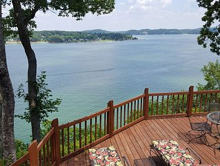 Come out & enjoy the Lake. Amazing Cabin with Lake and Mountain Views..