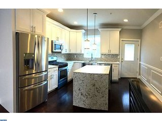 BRAND NEW 4BD/3Bth w/ patio and HUGE Rooftop deck. Amazing Views!