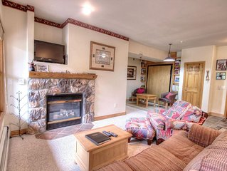 Extra Large 3 Bedroom Condo with Amazing Views - Quick Walk to the Slopes!