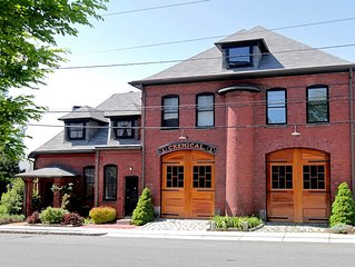 SPECIAL NOW! Fun, Family Friendly Restored Fire House 2 Bedroom Apt