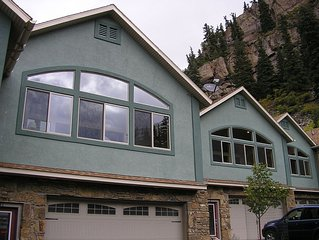 Modern, New 3-Bedroom Townhome Near Pool and Downtown Ouray