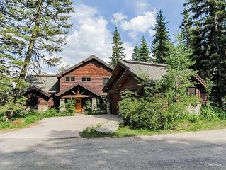 Fantasttic luxury resort home with mountain view, four bedrooms plus loft, thre