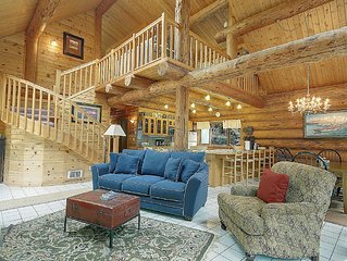 Private 3 Bedroom Log Home On 5 Acres - (Elena Log Home)