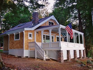 Quintessential Lakefront Cottage with Amazing Views!