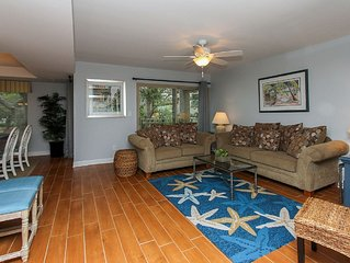 1804 Bluff Villa - Fully Renovated and so much more! Steps to Beach & Marina