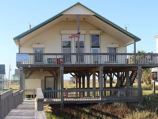 Front Row Beach House 3/2 with loft sleeps 16!