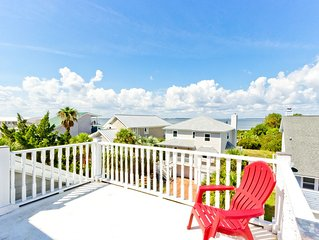 Great North Beach Location - Watch Ships from the Private Bay View Deck On Quie