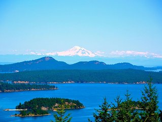 Exceptional Views of Gulf Islands, Active Pass and impresive Mount Baker Glacier