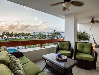 Penthouse, Beach and Ocean Views